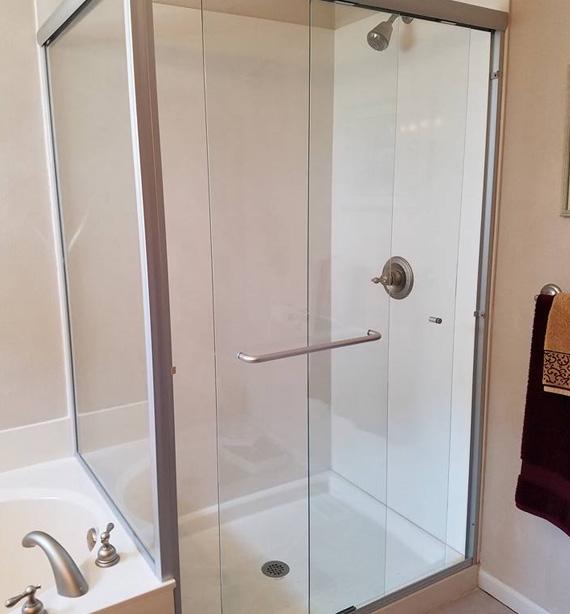 Custom Shower Enclosures in Millstadt IL