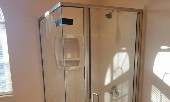 Glass Shower Doors in Millstadt IL